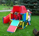 Moveandstic Play House Garden